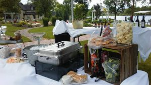 rappers-catering-food-outside